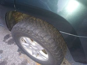 255/75\17 inch bfg mudd terrains with jeep wheels for Sale in North Providence, RI