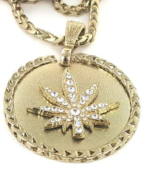 """Leaf Gold Tone Bling Pendant with long 36"""" Chain for Sale in Torrance, CA"""