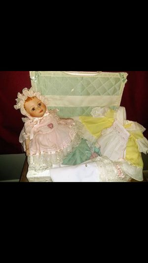 """1996 Vintage Marie Osmond Beautiful """"Mindy"""" Baby Doll with Basket, 4 Baby Doll Outfits & Blanket for Sale in Nashville, TN"""