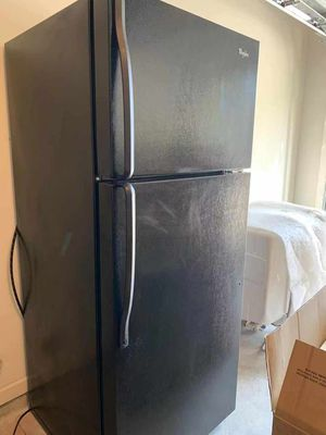 Whirlpool appliances! A set of Fridge, Oven, Dishwasher, and Microwave.. Please read below.. for Sale in GA, US