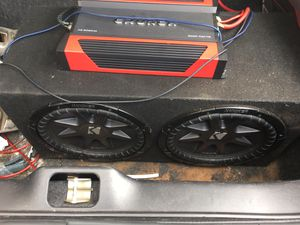 2 12 inch subwoofers and 1500 watt amp for Sale in Houston, TX