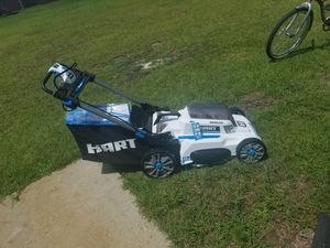 New Hart self propelled mower need battery for Sale in Sanford, NC