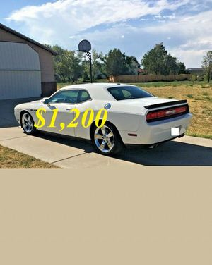 🌺$1,2OO Selling🌺 2009 Dodge Challenger🌺 very nice🙏🏼 for Sale in Riverside, CA