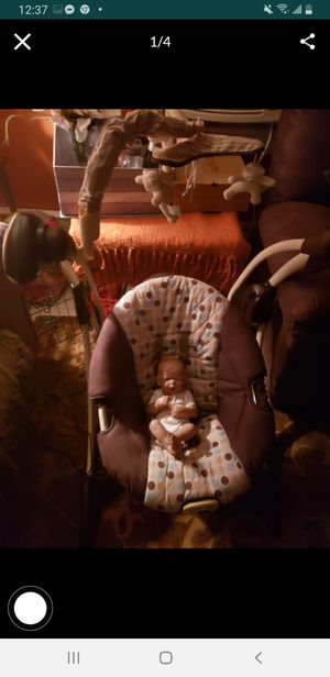 Brown baby swing bouncy chair for Sale in Brockton, MA