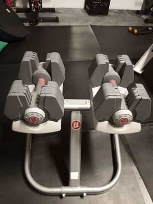 Adjustable Dumbbells With Stand for Sale in Tampa, FL