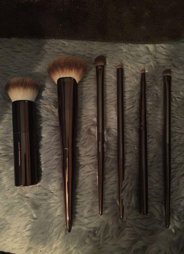 Beauty Professionals Makeup Bag + Brush Set