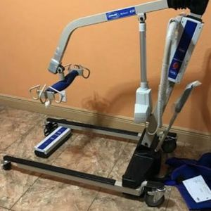 New Invacare Power Body Patient Lift Reliant 450 Battery-Powered Lift with Low Base for Sale in Miami, FL