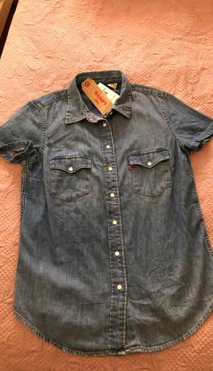 Levi's XS women's jeans shirt, new, tags on for Sale in Hollywood, FL