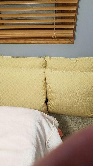Pillows for Sale in Wichita, KS
