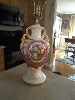 Antique Goerge & Martha Washington Lamp for Sale in Greer, SC