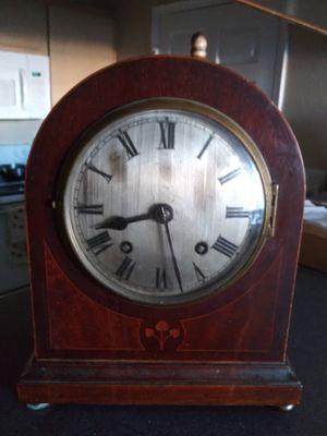Antique Mantle Clock for Sale in Roanoke, TX