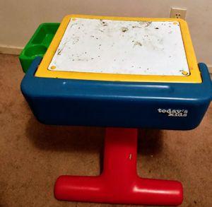 Kid's Desk for Sale in Stockton, CA