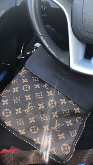 Louie Crossbody Bag for Sale in Columbia, MO