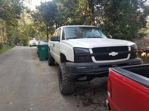2004 chevy Silverado 1500 for Sale in Placerville, CA