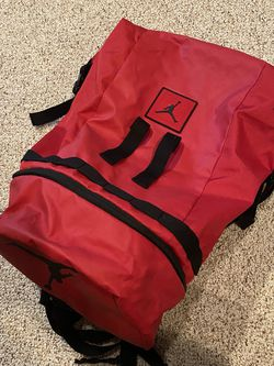 Jordan 3 Way Opening Duffel Duffle Bucket Bag Backpack Nike Ruck Sack for Sale in Portland,  OR