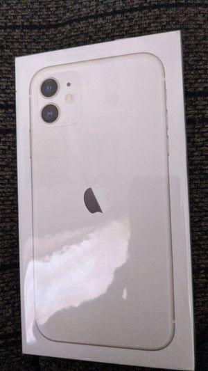 iPhone 11 (White) for Sale in Spokane, WA