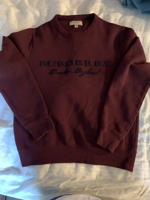 Burberry pullover burgundy size small for Sale in Bellmore, NY