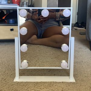 Hollywood Makeup Mirror With Lights for Sale in Canton, MI