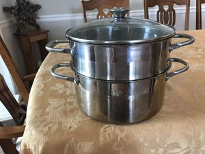 5qt Oggi stock pot with steamer and glass lid for Sale in Freedom, PA