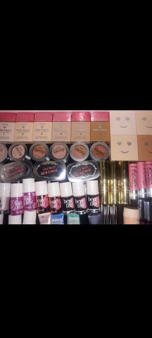 BENEFIT ,Makeup brands hmuREAD DESCRIPTION BELOW for Sale in Dallas, TX