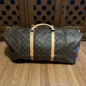 Large duffle bag for Sale in Long Beach, CA