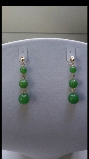 "Pretty natural green jade jadeist silver plated dangle earings 1""5 for Sale in Richmond, CA"