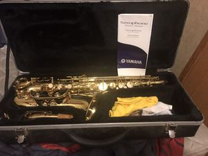 PRISTINE BEAUTIFUL SOUNDING BARELY USED ALTO SAXOPHONE! COME WITH CASE AND EVERYTHING PICTURED!!!! for Sale in Somerville, AL
