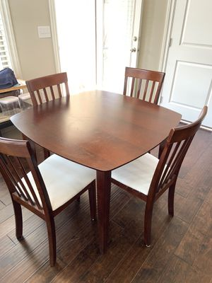 4 Chairs & 1 Dining Table for Sale in Smyrna, GA