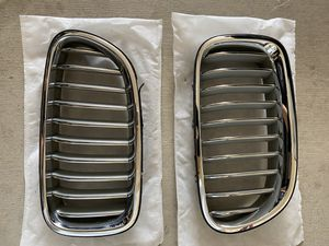 BMW OEM F10 Kidney Grills pair- part 188013-10 for Sale in Colorado Springs, CO