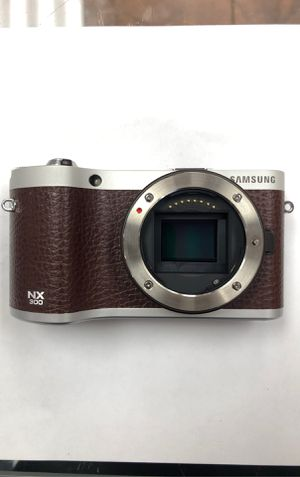 Samsung NX 300 - Digital Camera - Lens included for Sale in Brooklyn, NY