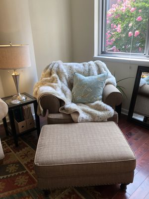 Pier 1 arm chair with matching ottoman for Sale in Washington, DC