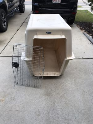XLG plastic dog crate for Sale in Cary, NC