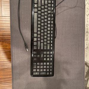 Keyboard for Sale in Laguna Beach, CA