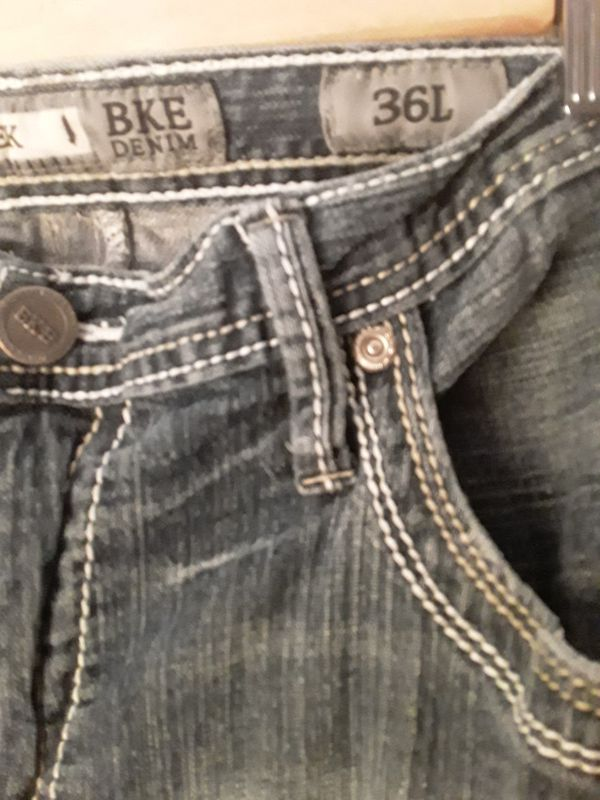 Womens sz 36L BKE jeans