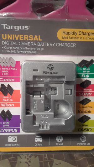 Targus universal Digital Camera Battery Chargers for Sale in Victorville, CA