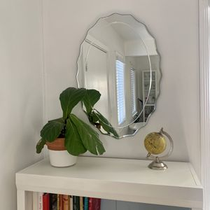 "Mirror—- Accent Mirror — 29"" x 16"" for Sale in Signal Hill, CA"