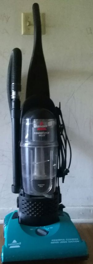Bissell Power Force, Helix Vaccum Cleaner for Sale in Warwick, RI