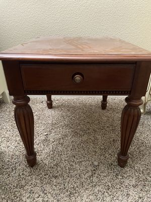 Wood night stand/ table for Sale in Fresno, CA