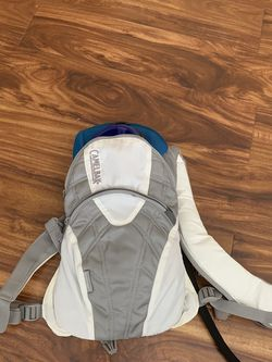 Camelbak SnoAngel Insulated Hydration Pack 1.5L for Sale in Ontario,  CA