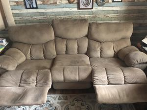 Couch for Sale in Glen Burnie, MD