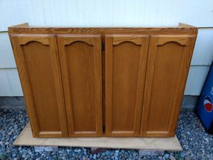 Oak upper cabinet for Sale in Puyallup, WA