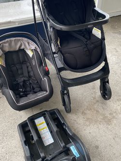 - SnugrideSFastFolding-Stroller-SnugRide All 3 Pieces Goes From Car Seat To Stroller Base Included for Sale in Lehigh Acres,  FL