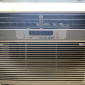 12,000 BTU In Window AC With Remote for Sale in Denver, CO