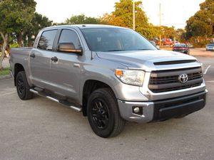 2014 Toyota Tundra 4WD Truck for Sale in Miami, FL
