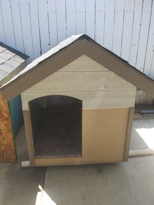 New lg dog house for Sale in Bloomington, CA