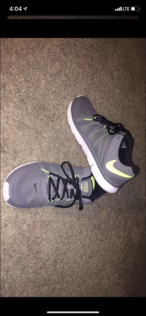 Nike free trainer 3.0 men's shoes size 8-1/2 for Sale in Hayward, CA