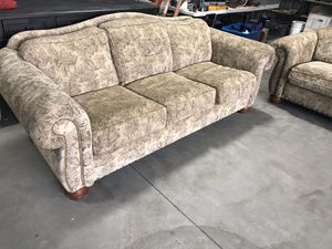 Lazy boy couch and love seat set for Sale in Exeter, CA