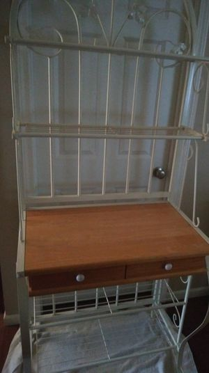Bakers rack for Sale in Waterloo, IL