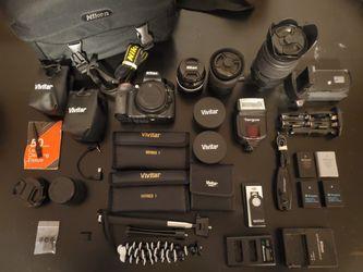 Nikon d5300 DSLR camera bundle for Sale in Denver,  CO