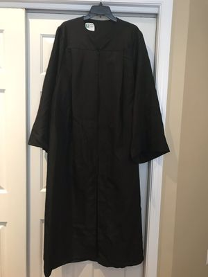 "Black graduation gown for 6'1"" to 6'2"" people for Sale in Potomac Falls, VA"